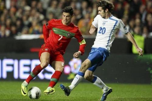 Ronaldo recorta ante Bosnia. Foto:lainformacion.com/EFE