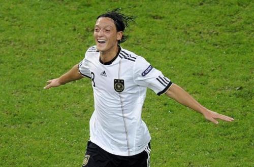 Ozil encarna la juventud y calidad de la nueva Alemania de Löw. Foto:lainformacion.com/EFE