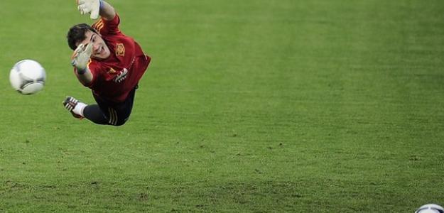 Iker Casillas con España encaja muy pocos goles. Foto:twitter.com