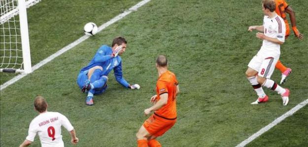 Dinamarca ya dio la sorpresa contra Holanda. Foto:lainformacion.com/EFE
