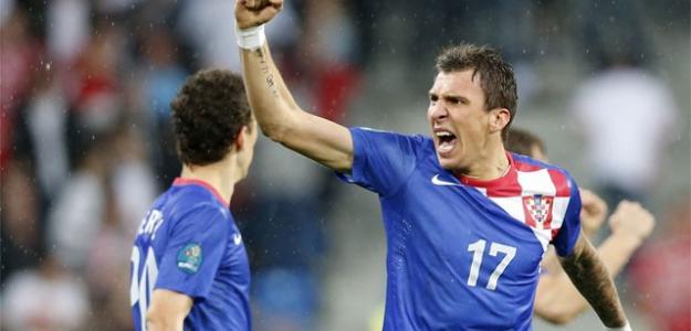 Mandzukic celebra un gol contra Irlanda en la Eurocopa 2012