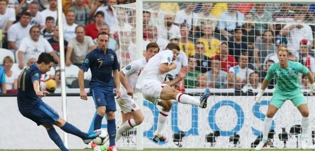 Nasri marca contra Inglaterra
