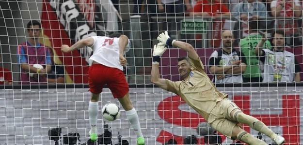 Gol de Lewandowski contra Grecia en la Eurocopa 2012