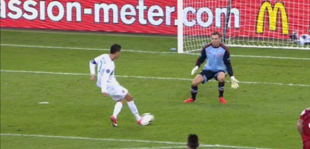 Ronaldo falló y Bendtner con dos goles cerca de darle un disgusto. Foto:twitter