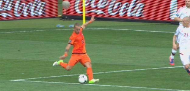 Sneijder debe guiar a Holanda que no puede perder. Foto:twitter.com
