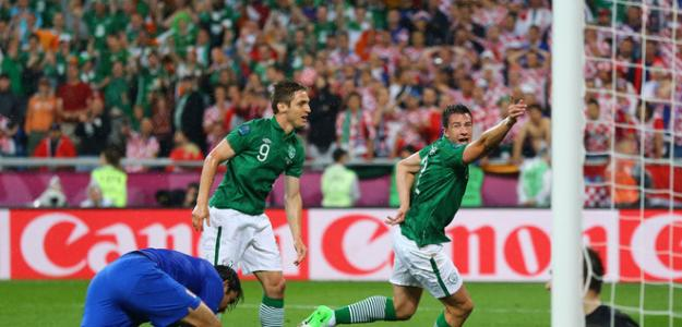 St Ledger celebra un gol contra Croacia en la Eurocopa 2012
