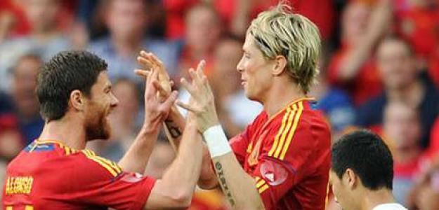 Xabi Alonso y Fernando Torres. Foto: lainformacion.com
