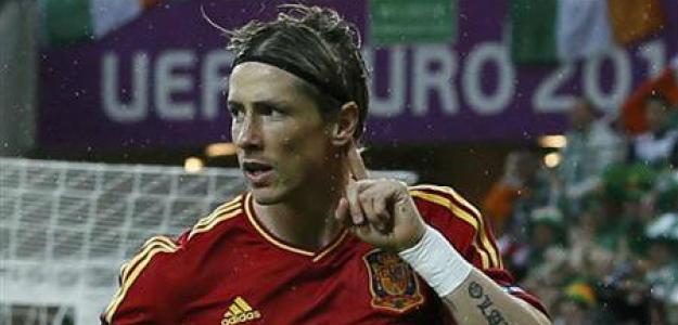 Fernando Torres celebra uno de sus goles contra Irlanda