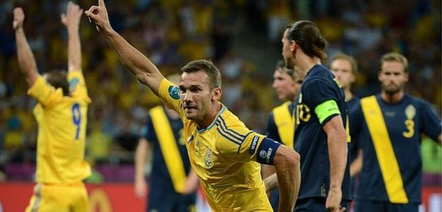 Shevchenko celebra un gol contra Suecia